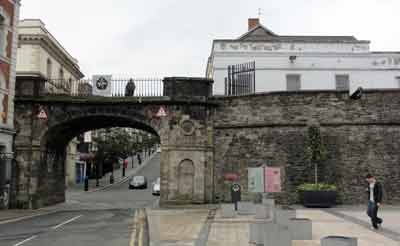 Photograph of Bishop's Gate, Londonderry
